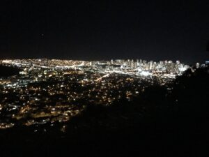 ハワイのタンタラスの丘の夜景